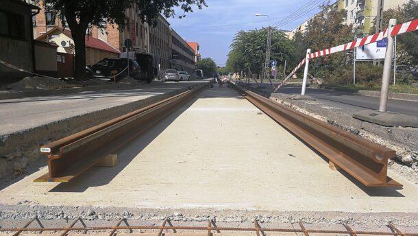 A Bajcsyn már láthatjuk a tram train síneit 6