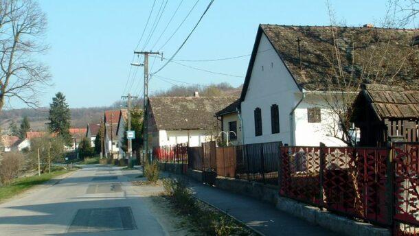 Gulyás: falusi útalap jön létre