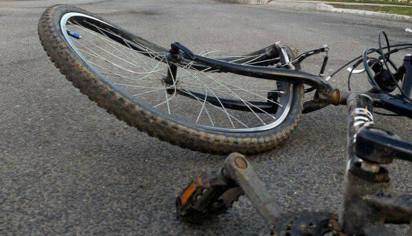 Kerékpárost ütött el, keresi a rendőrség