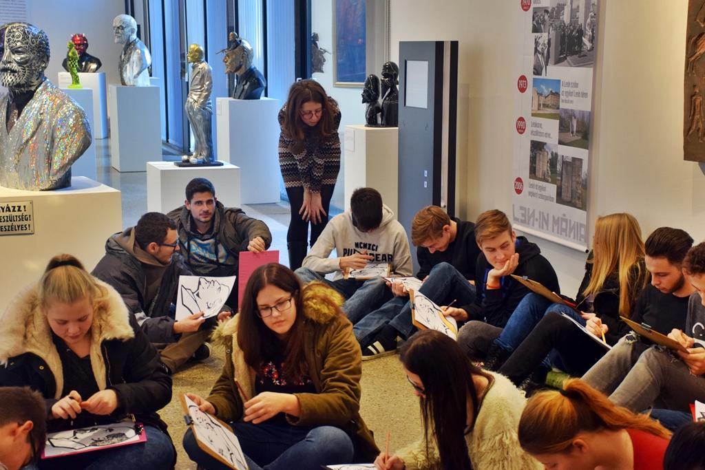 Középiskolások ismerkedtek a Len-in mániával 8