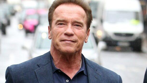 Arnold Schwarzenegger búcsúztathatja Andy Vajnát