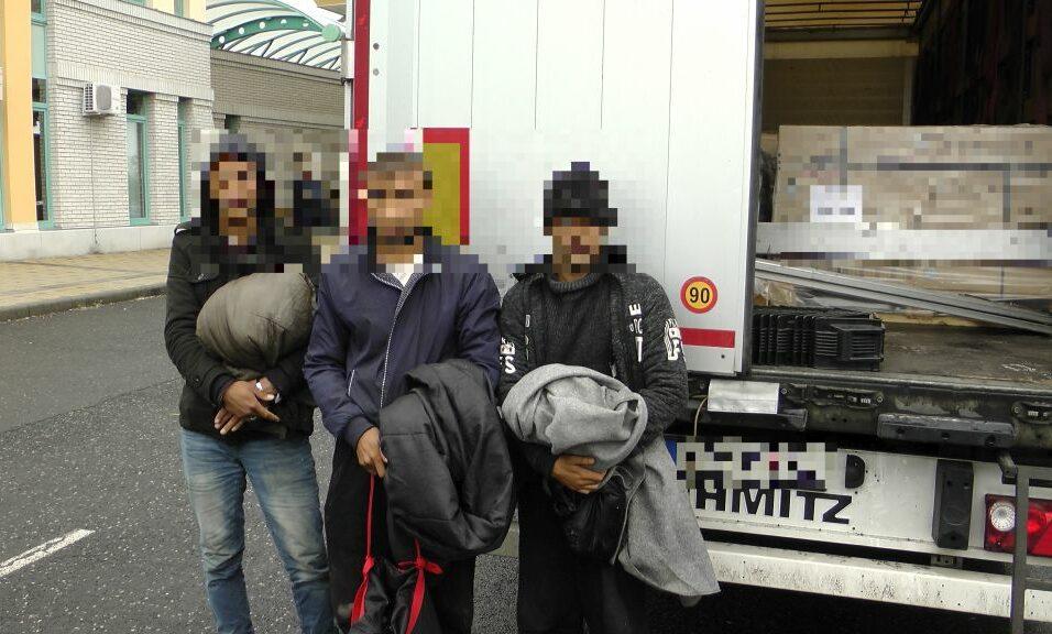 Három afgán határsértő egy szerb kamionban