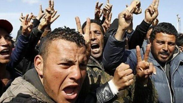 Allah Akbar, mocskos franciák, így rohamoztak meg radikális fiatal muszlimok egy francia rendőrőrsöt