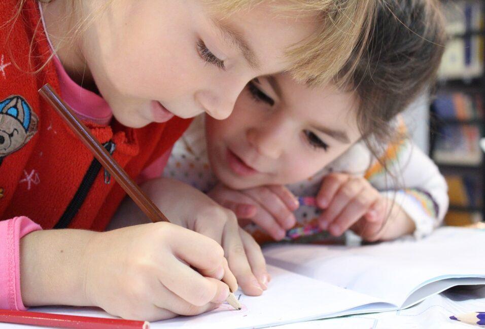 Egyre több támogatást kapnak a családok az iskolakezdéshez