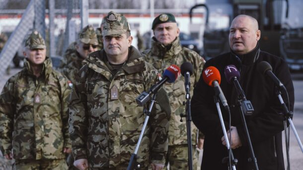 Megkétszerezik a határvédelemben részt vevő katonák számát 1