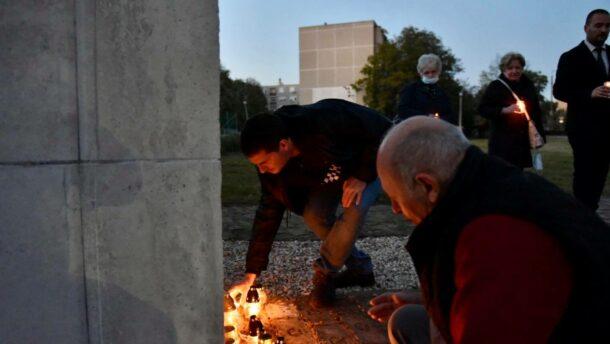 Gyertyagyújtással emékezett a helyi Fidesz és KDNP '56-ra 1