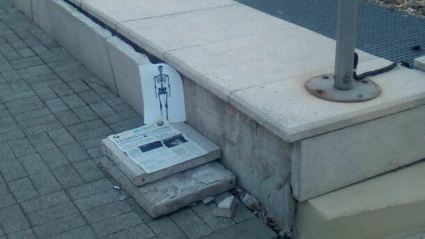 Olvasói levél: egy csontváz képét helyeztem a Hódi Pál utcára! 2