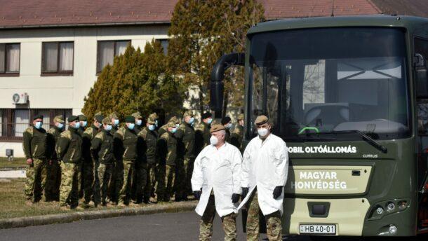 Oltóbuszokkal is részt vesz a honvédség a védekezésben 1