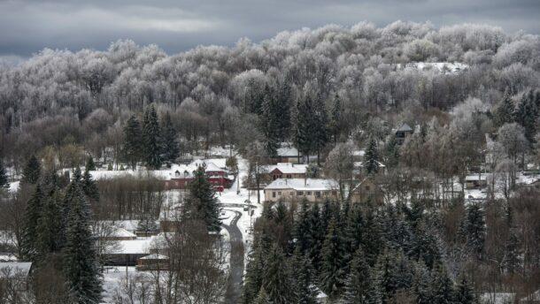Meteorológiai szolgálat: sok magasabban fekvő területen lett havas a táj