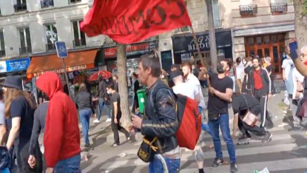 """""""Halál a fasisztákra!"""" – katolikusokra támadtak a kommunisták Párizsban"""