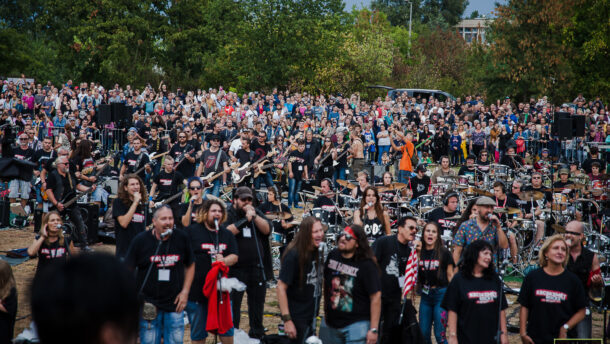 Már 400-nál is több zenész jelentkezett a legnagyobb rockzenei flashmobra 1