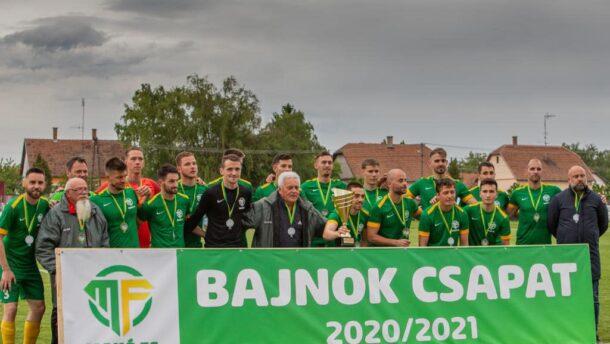 Gratulált a makói focistáknak Lázár János