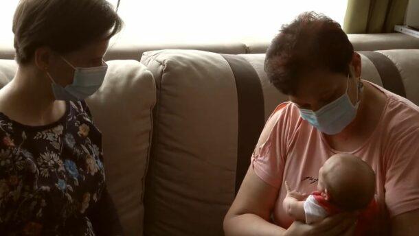Videóban köszönte meg a kormány a védőnők munkáját